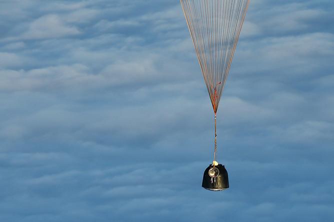 Во время посадки спускаемой капсулы транспортного космического корабля «Союз МС-06» с экипажем 53/54-й длительной экспедиции на МКС