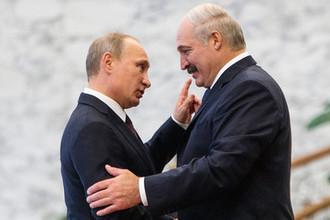 Президент России Владимир Путин и президент Белоруссии Александр Лукашенко во время встречи в Минске, 2014 год