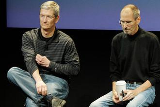 Тим Кук и Стив Джобс во время встречи в Купертино, 2010 год