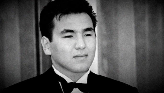 Айдар Акаев во время свадебной церемонии в Киргизии, 1998 год