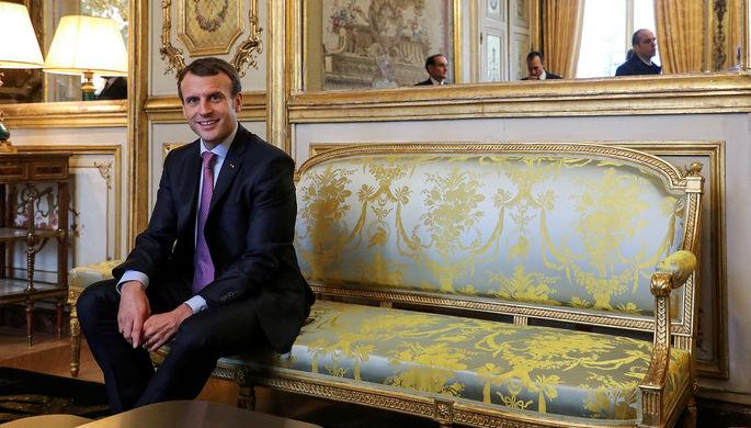 Эммануэль Макрон в Елисейском дворце в Париже, декабрь 2017 года