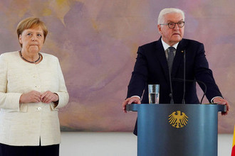 Ангела Меркель на встрече с президентом Германии Франком-Вальтером Штайнмайером, 27 июня 2019 года