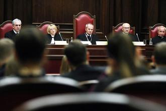 Конституционный Суд РФ постановил, что владельцы сайтов, не являющихся СМИ, должны нести ответственность за комментарии пользователей