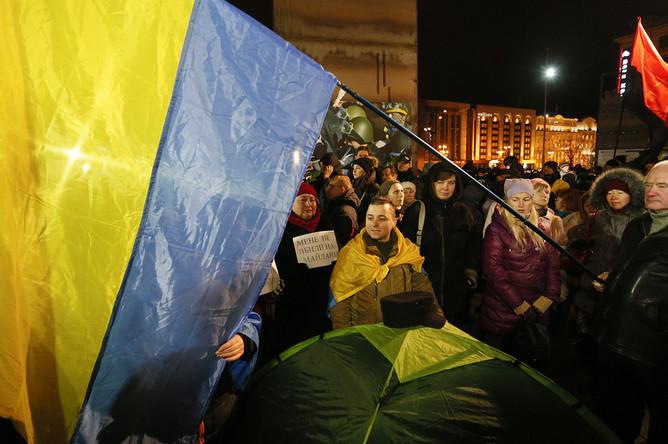 Националисты и их сторонники во время митинга в годовщину «майдана» в Киеве, 21 ноября 2017 года