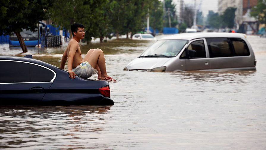 Число жертв наводнений в провинции Хэнань в Китае увеличилось до 56