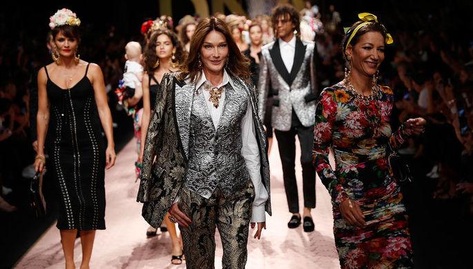 Доставайте третью грудь: в Милане прошла Неделя моды