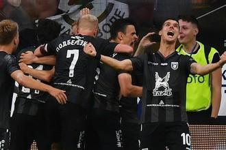 Игроки «Рубина» празднуют гол в ворота «Динамо»