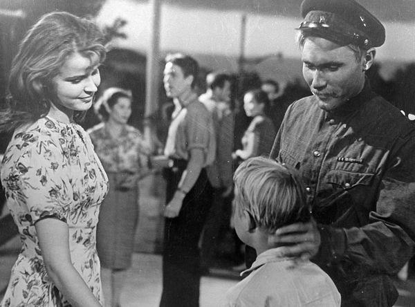 Тамара Семина, Коля Чурсин и Василий Шукшин в фильме «Два Федора», 1958 год