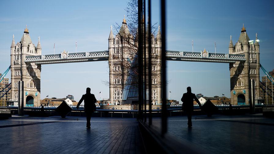 Вид на Тауэрский мост в Лондоне, 24 марта 2020 года