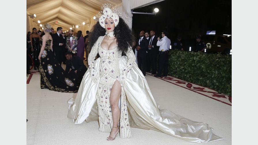Певица Cardi B во время бала Института костюма Met Gala в Нью-Йорке, 7 мая 2018 года