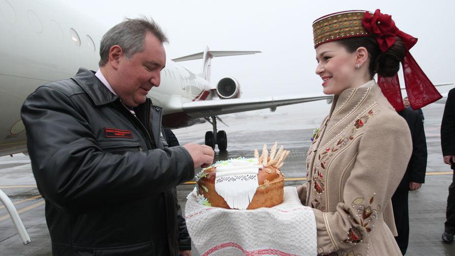 Вице-премьер России Дмитрий Рогозин во время рабочей поездке в Белоруссию, 2012 год