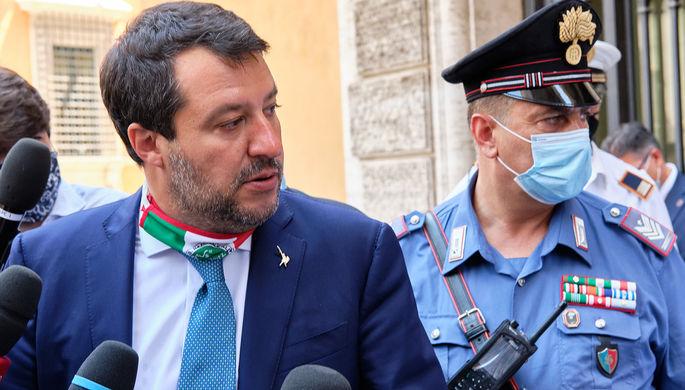 «Горжусь тем, что защитил Италию»: экс-главе МВД грозит суд