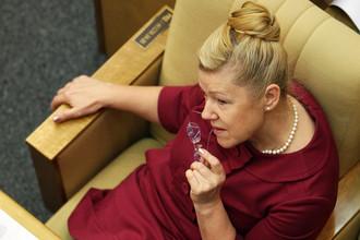 Председатель думского комитета по делам семьи, женщин и детей Елена Мизулина рассказала «Газете.Ru» зачем России антигейский закон.