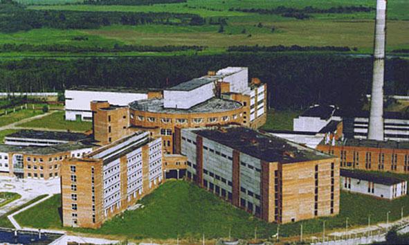 На официальной странице реактора ПИК предлагается информация за 2002 год