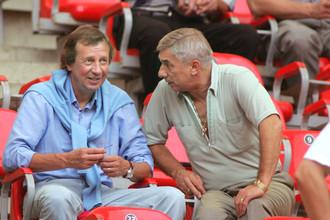 Бывшие наставники сборной России Георгий Ярцев (справа) и Юрий Семин решили попытать тренерского счастья в ближнем зарубежье