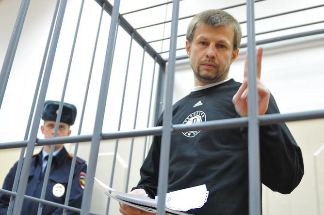 Экс-мэр Ярославля Евгений Урлашов подозревается в получении 14 млн рублей за отказ от исковых требований в арбитражном процессе по иску мэрии к его фирме
