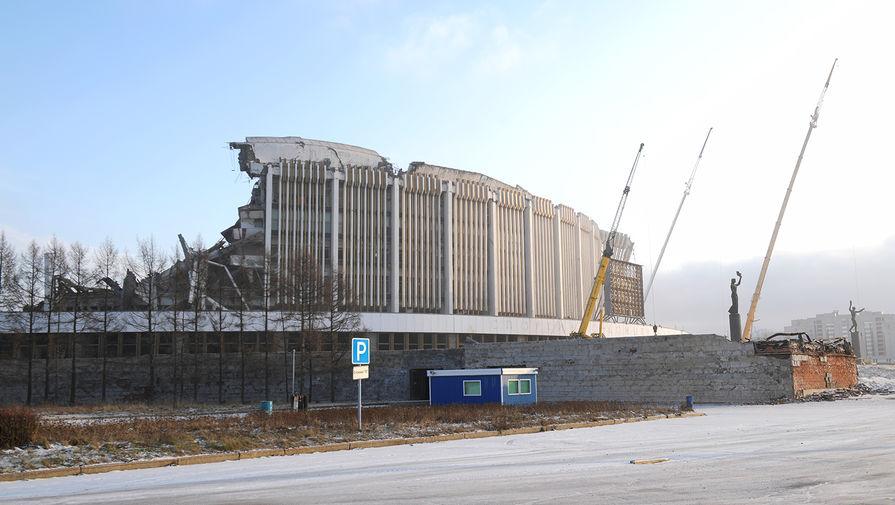 На месте обрушения в СКК в Санкт-Петербурге, 31 января 2020 года