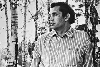 Роберт Рождественский, 1975 год