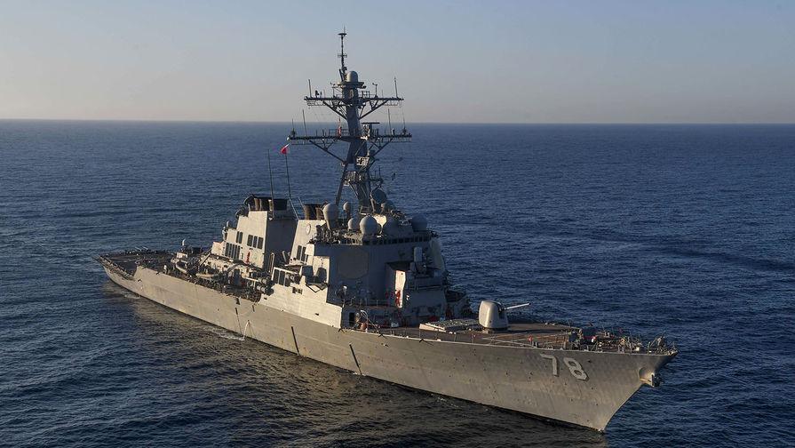 В Черное море идет американский эсминец