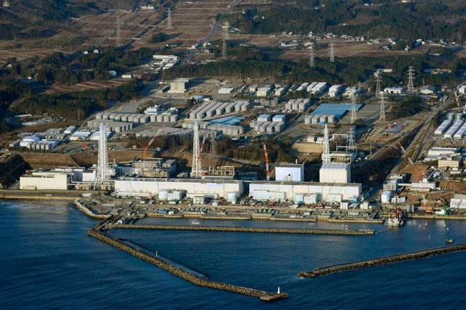 АЭС «Фукусима» закрыта, уровень радиации вокруг нее снизился в два раза за два года, говорят в японском агентстве по атомной энергетике. Однако эксперты выражают уверенность, что станция больше никогда не будет запущена.