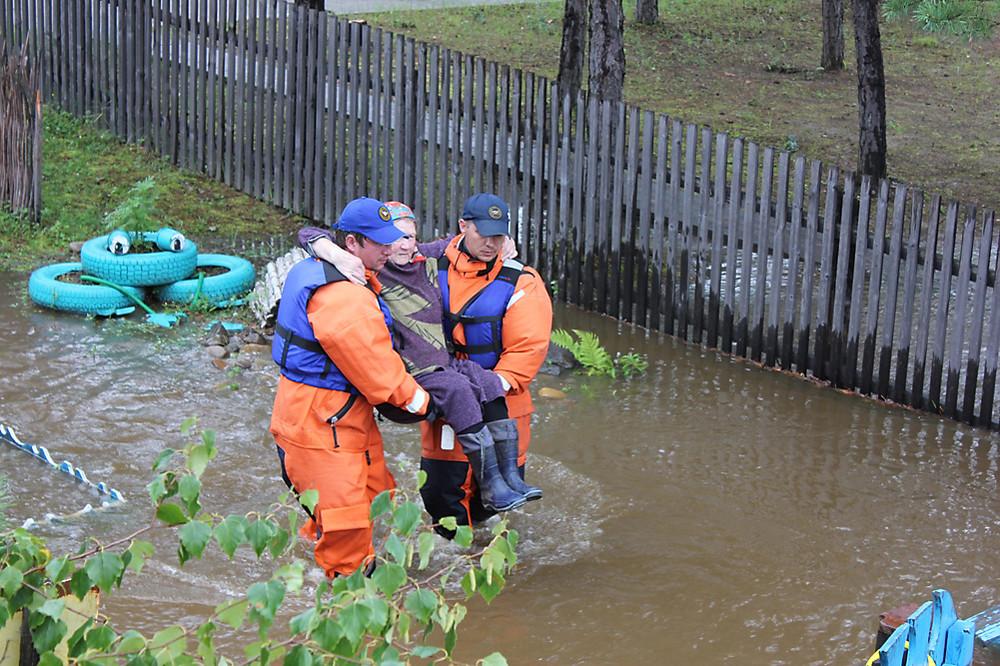 поздравления Днем помощь в зону наводнения том