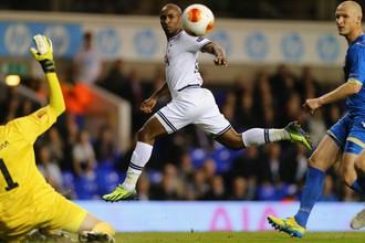 Джермейн Дефо отметился дублем в стартовом матче Лиги Европы