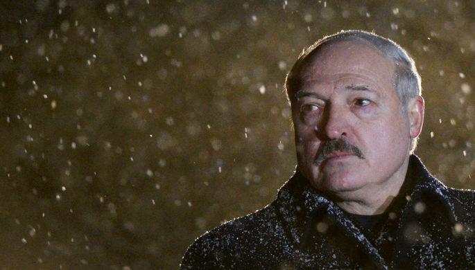 На экстренный случай: Лукашенко подготовил декрет о передаче власти