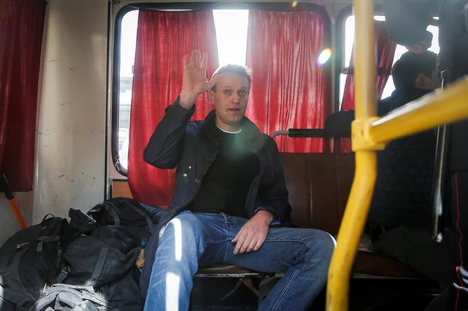 задержание Алексея Навального на несанкционированной акции оппозиции против коррупции на Пушкинской площади, 26 марта 2017 года