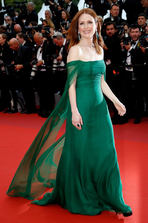 Актриса Джулианна Мур на красной дорожке Каннского кинофестиваля, 14 мая 2019 года