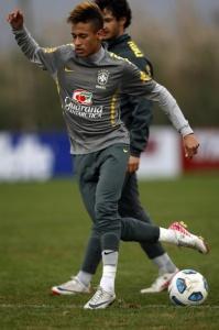 Неймар на одной из тренировок сборной Бразилии