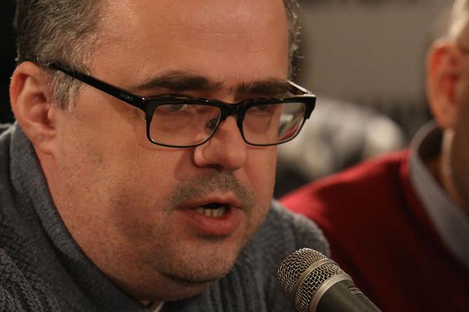На телеканале «Дождь» возобновляются политические дебаты, ведущий Юрий Сапрыкин