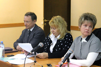 Михаил Савва, его адвокат Марина Дубровина и жена Елена Владимировна