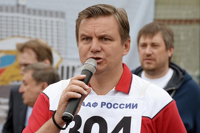 Председатель комитета Государственной думы РФ по физической культуре, спорту и делам молодежи Игорь Ананских перед началом сдачи нормативов