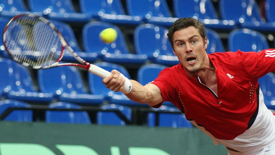 Российский теннисист Марат Сафин во время матча 1/4 финала Кубка Дэвиса, 2008 год