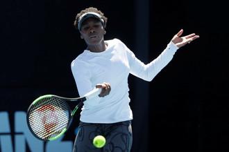 Винус Уильямс играет в финале Australian Open c младшей сестрой Сереной