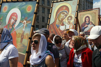 Назло Порошенко: по Киеву прошли 300 тысяч верующих