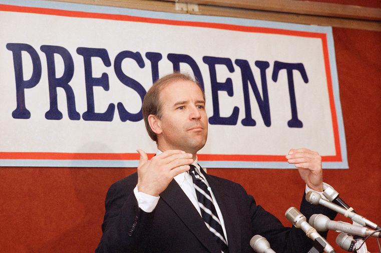Сенатор Джо Байден на пресс-конференции в Бостоне, 1987 год