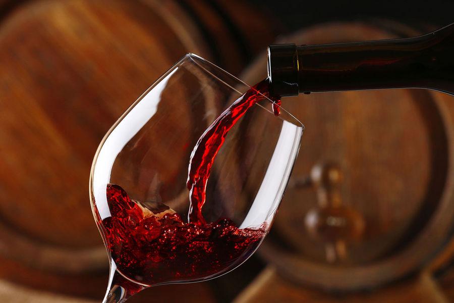 Эксперт: потребление россиянами импортного и отечественного вина сравнялось