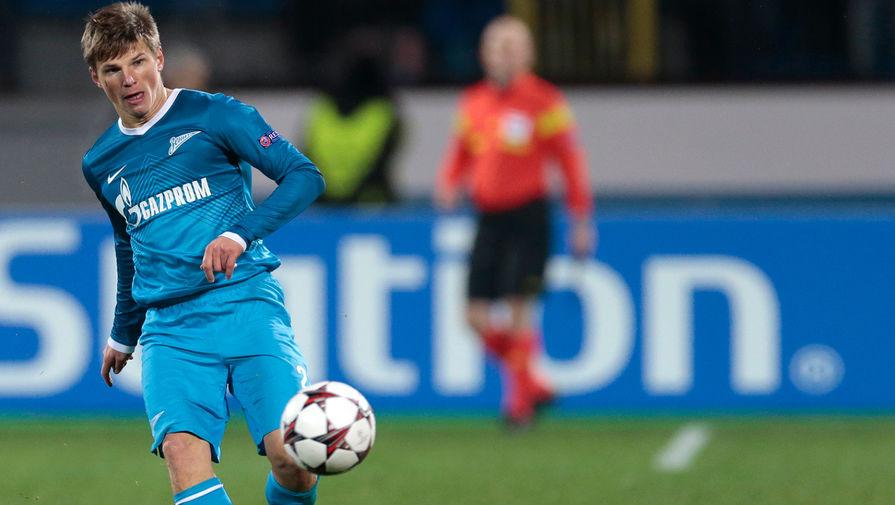 Зимой 2009 года, после ударного чемпионата Европы Аршавин был продан в лондонский «Арсенал» за €24 млн. В истории за российских футболистов только раз платили больше, и произошло это спустя десять лет после трансфера Аршавина. По слухам, тогда на игрока претендовала и «Барселона»