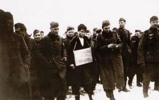 Казнь Зои Космодемьянской в деревне Петрищево. 29 ноября 1941 года. Фотографии найдены в октябре 1943 года у погибшего под деревней Потапово близ Смоленска немецкого офицера
