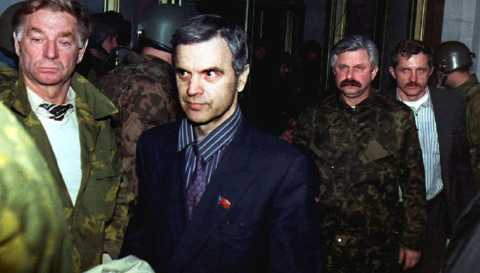 «Держи депутата»: как Ельцин победил парламент