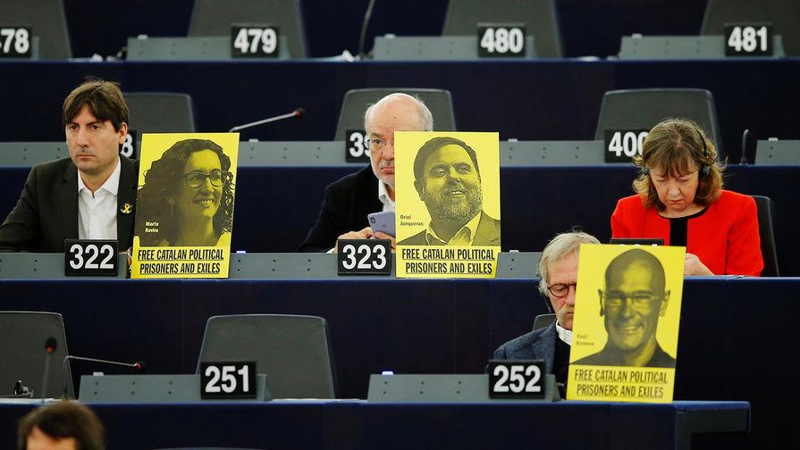 В Испании судят организаторов референдума за независимость Каталонии photo