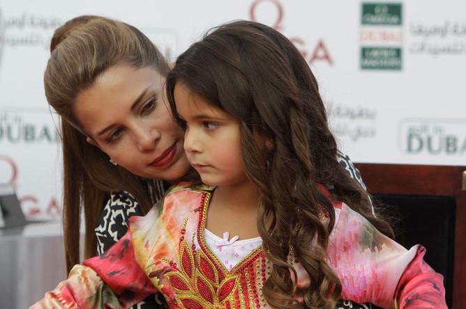 Принцесса Хайя бинт аль-Хусейн с дочерью аль-Джалилой, 2012 год