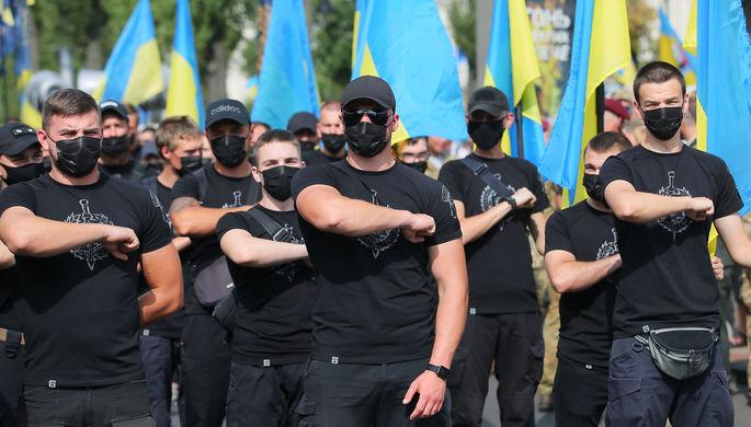 «Настоящие защитники»: как День независимости расколол Украину