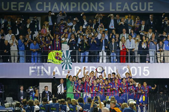 «Барселона» празднует победу в Лиге чемпионов