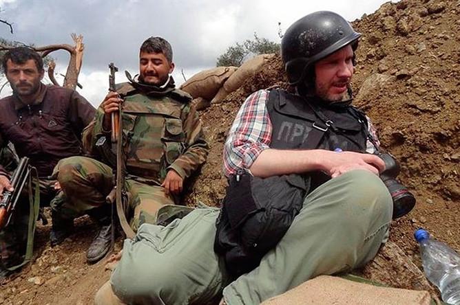 Военный фотокорреспондент Андрей Стенин