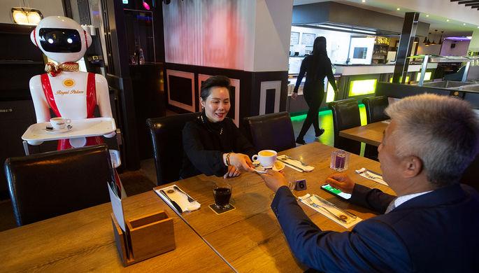 Люди исчезнут: как пандемия изменит рестораны и отели