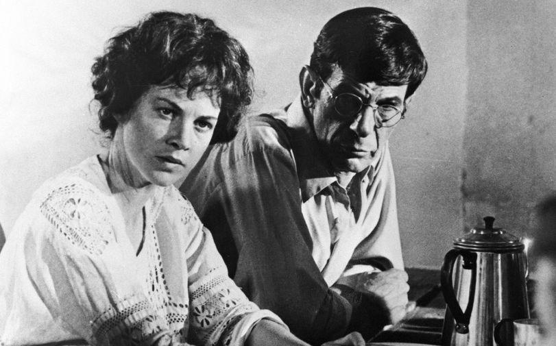Джуди Дэвис и Леонард Нимой в телефильме «Женщина по имени Голда» (1982)