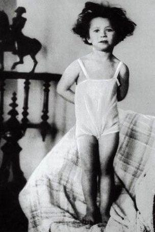 Майя Плисецкая в детстве, конец 1920-х годов