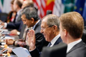 Министр иностранных дел России Сергей Лавров на рабочем заседании второго дня саммита G-20 встречи министров иностранных дел в Бонне, Германия, 17 февраля 2017 года